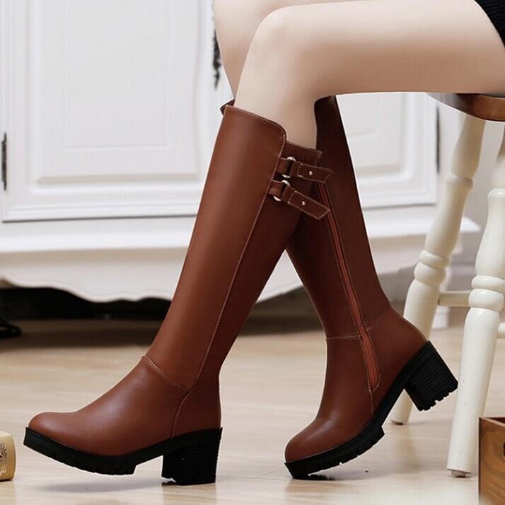 丸いつま先プラットフォームブーツ膝のブーツレディースファッションベルトのバックルオートバイブーツ黒茶色の女性のブーツ