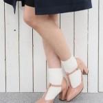 【靴下×パンプスコーデ7選】大人ガーリーに履きこなそう!