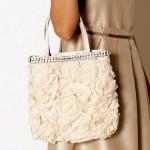 【荷物が多い人必見!】結婚式のレディースの大き目バッグ3選